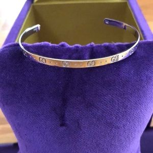 ❤️HP❤️NWOT Gucci Icon 18k White Gold Cuff Bracelet